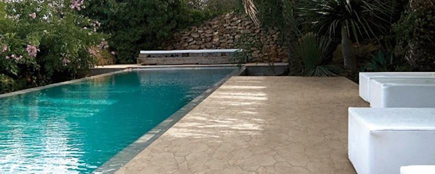 La piscina un rinc n fundamental en el jard n blog - Materiales para piscinas ...